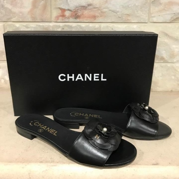 f2b62d4e0a8 Chanel 17C Black Camellia Leather CC Pearl Mule